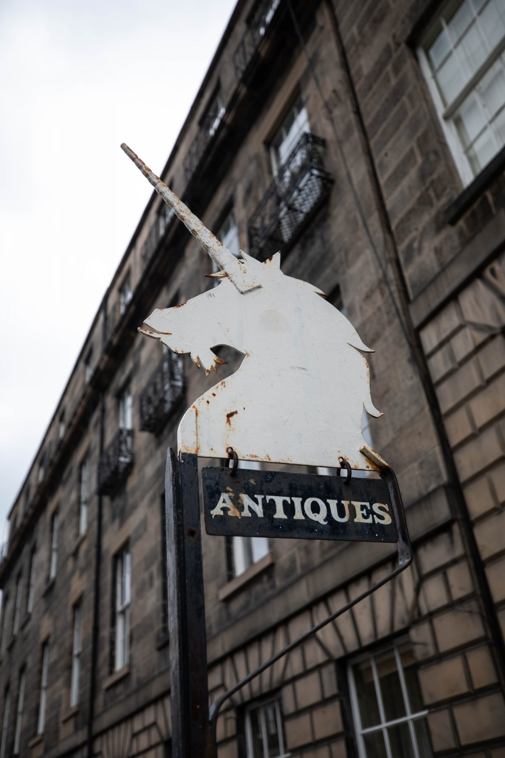 Edinburgh Old Town Royal Mile Edinburgh the Luxury Travel Guide by Annie Fairfax Where to Eat What to Do Where to Stay Site Seeing in Edinburgh Honeymoon Vacation Ideas