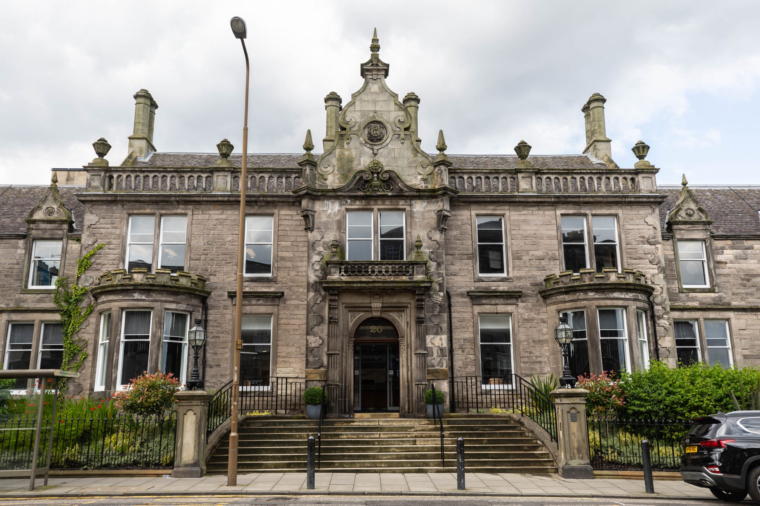 Edinburgh the Luxury Travel Guide by Annie Fairfax Where to Eat What to Do Where to Stay Site Seeing in Edinburgh Honeymoon Vacation Ideas