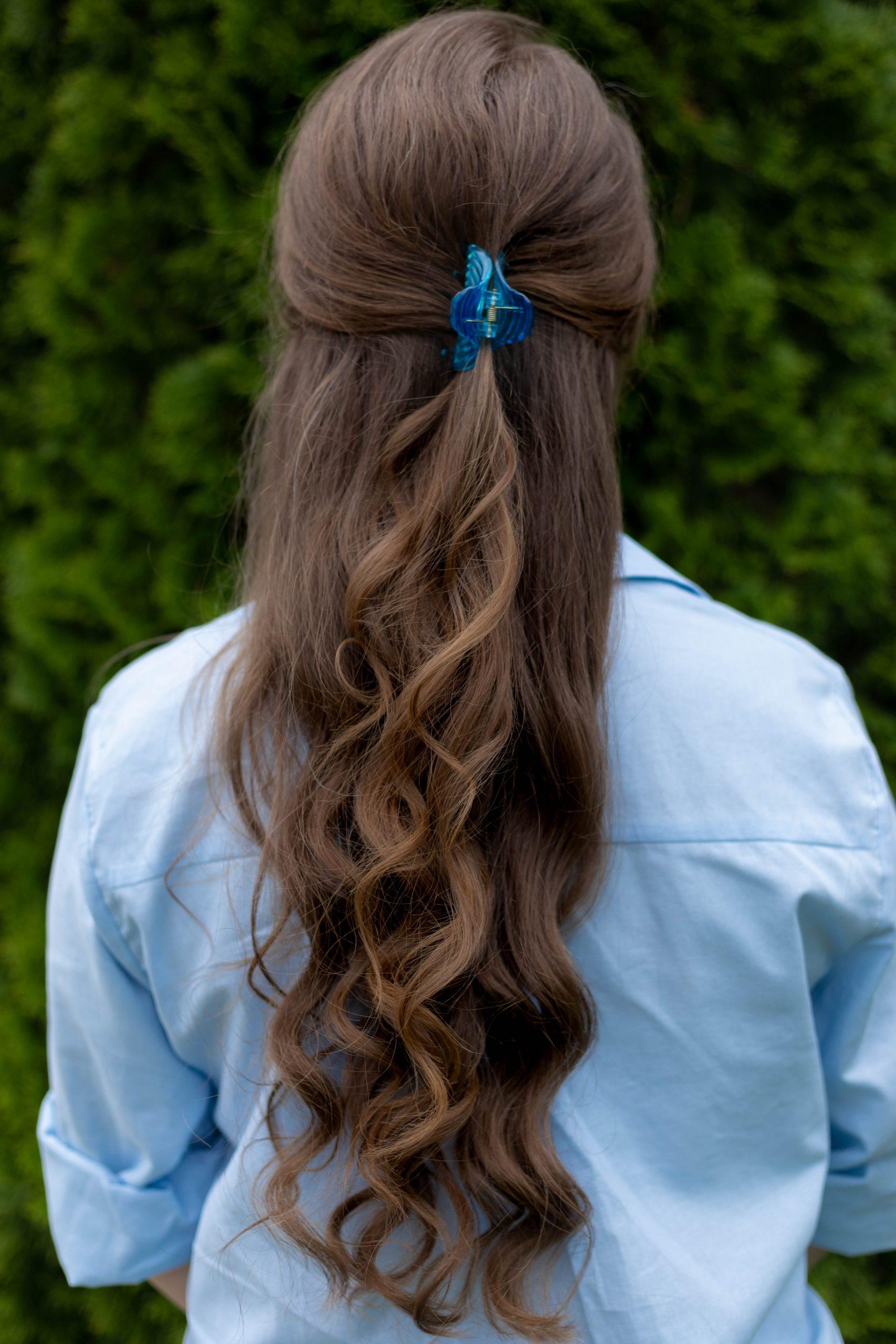 Curly Hair and Valet Acrylic Hair Clip Styled by Annie Fairfax