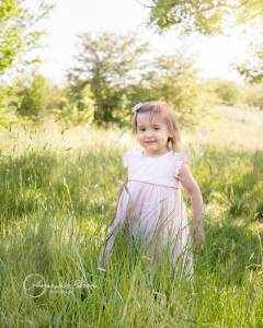 outdoor family session in West London, sweet toddler girl