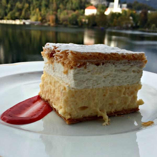2015-10-18 Slovenie Bled Cream cake