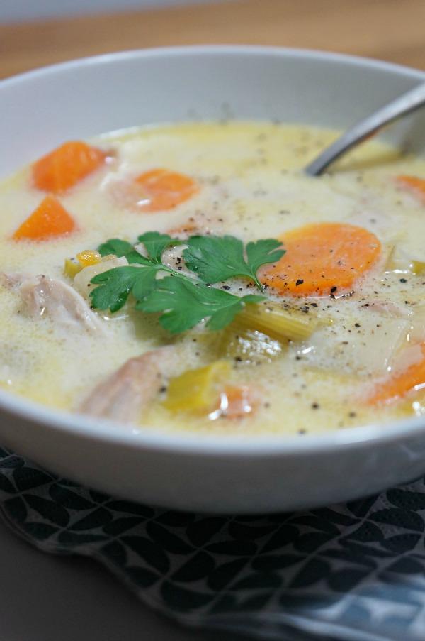 Soupe de poulet cremeuse