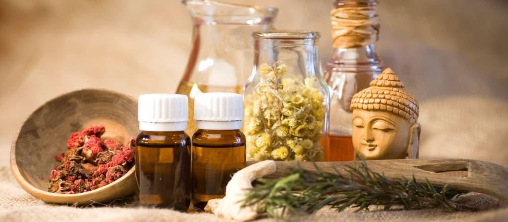 L'huile médicinale ayurvédique utilisée pendant les soins