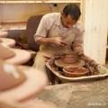 Oman poterie Nizwa- La visite d'un atelier de poterie de Nizwa.