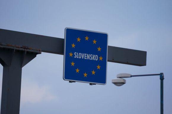 Aufwiedersehen Austria, Ahoj Slovakia