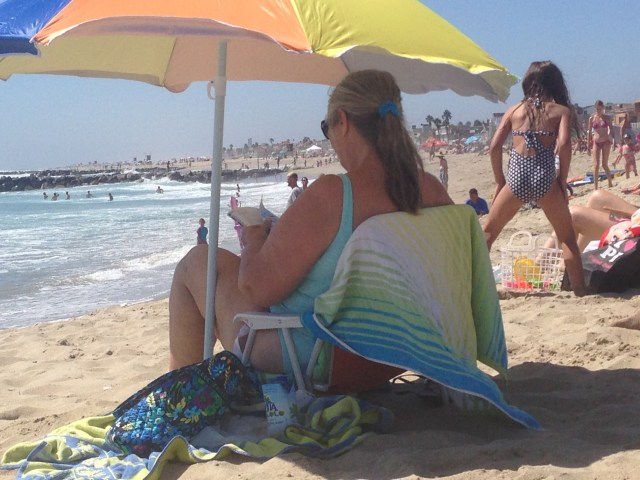 2014-8-18 Lady at the Beach