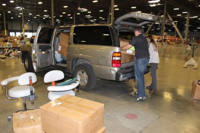 2014-10-2 Packing Kits for Zimbabwe (8)