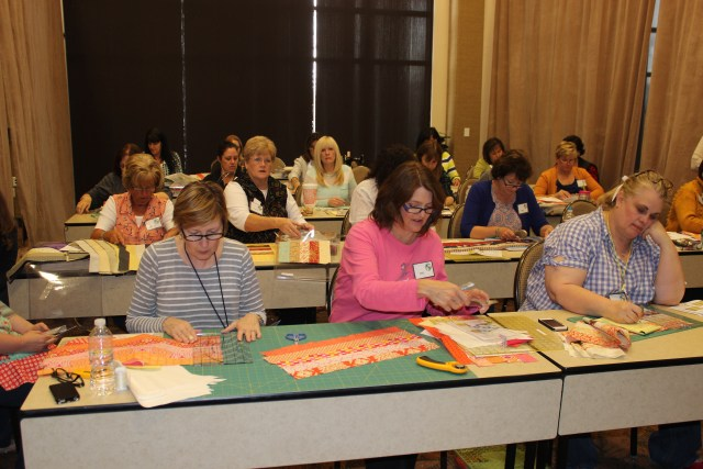 2015-4 American Quilting Retreat (131)
