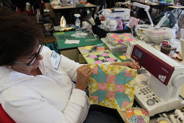 2015-4 American Quilting Retreat (137)