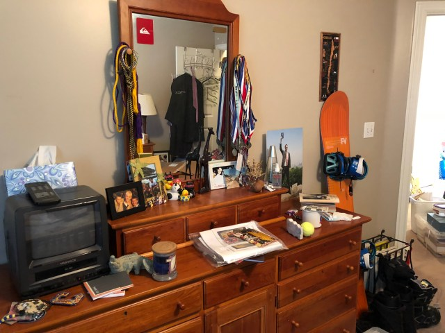 2018-9-21 Adam's Room Clean (3)
