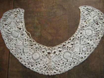 bobbin-lace-collar-1850s