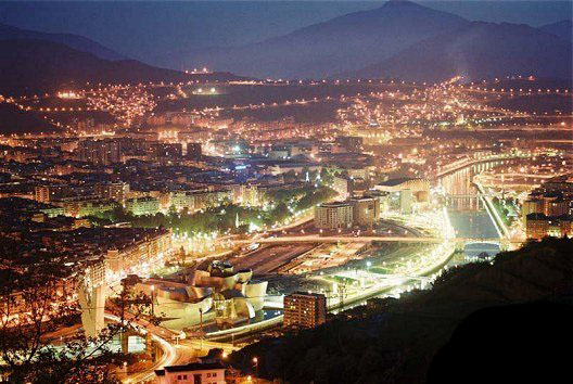 Bilbao_at_night