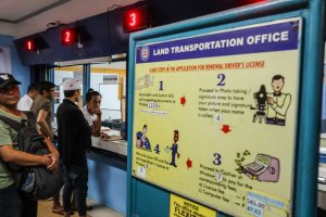 Driver's License Renewal Offices in Malls open on Saturdays