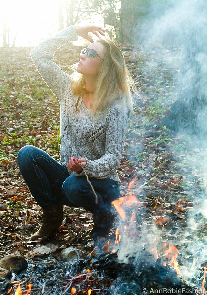 Casual outfit for fall by petite fashion blogger AnnRobieFashion: chanky sweater with jeans