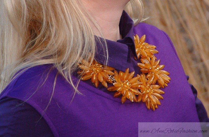 Yellow Flowers necklace by petite style blogger AnnRobieFashion