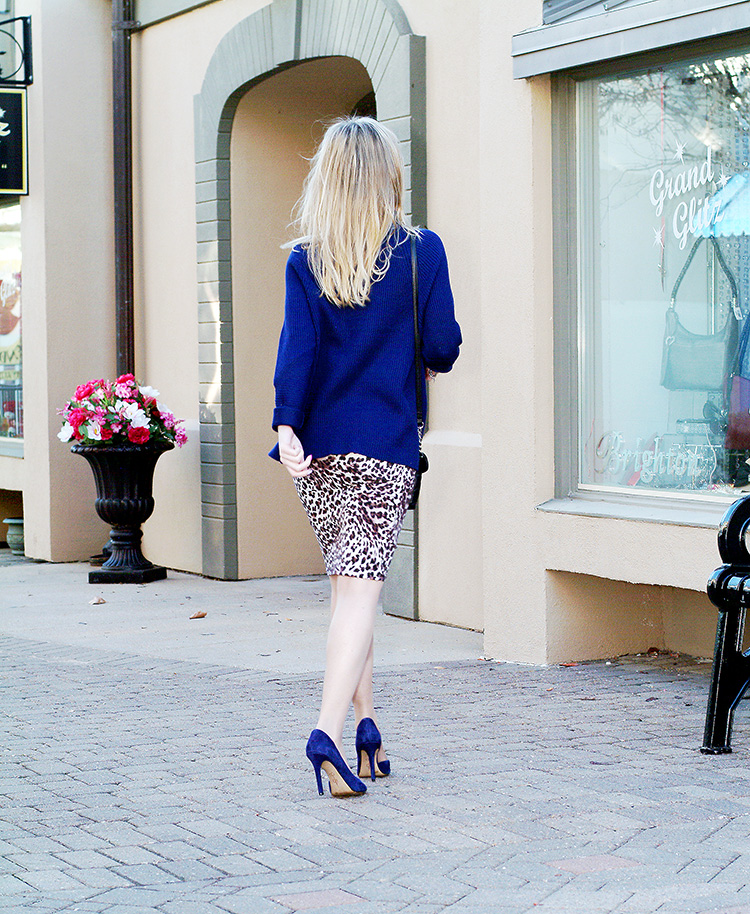 Elie-Tahari-navy-blue-sweater-with-suede-navy-blue-Jessica-Simpson-heels-and-leopard-print-pencil-skirt,-urban-chic-8