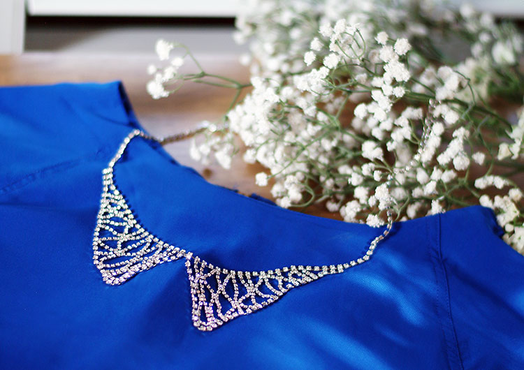 Sharp 9 Crystal Collar Necklace review by style blogger AnnRobieFashion