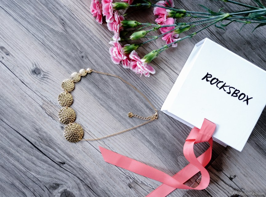 Necklace Jules Smith - Rocksbox review by style blogger AnnRobieFashion