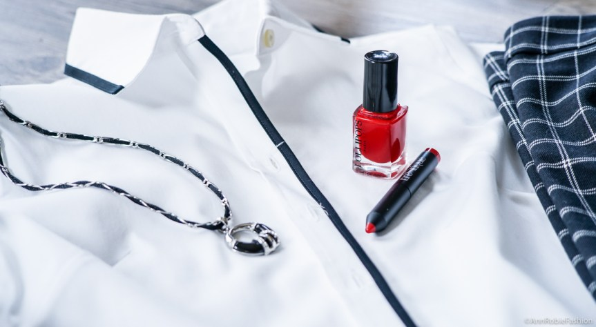 Red lip crayon in Chile Red, red nail polish Lollipops - review by style blogger AnnRobieFashion