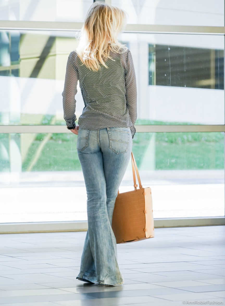 How to wear flare jeans if you are petite: Sheer blouse Ann Taylor, flared jeans Ralph Lauren - casual outfit by petite style blogger AnnRobieFashion