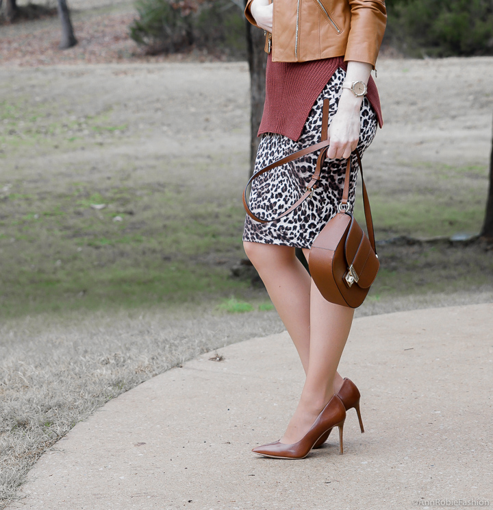 early maternity clothes for work: Leopard pelcil skirt, brown sleeveless top, brown leather jacket - winter outfit by petite style blogger AnnRobieFashion