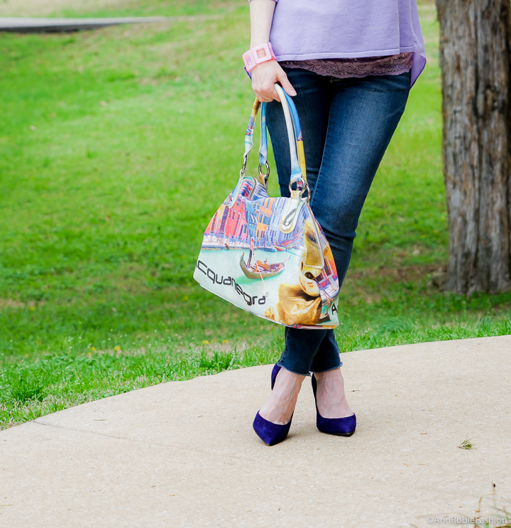 Spring outfit ideas for petites: Lilac & denim by petite style blogger AnnRobieFashion
