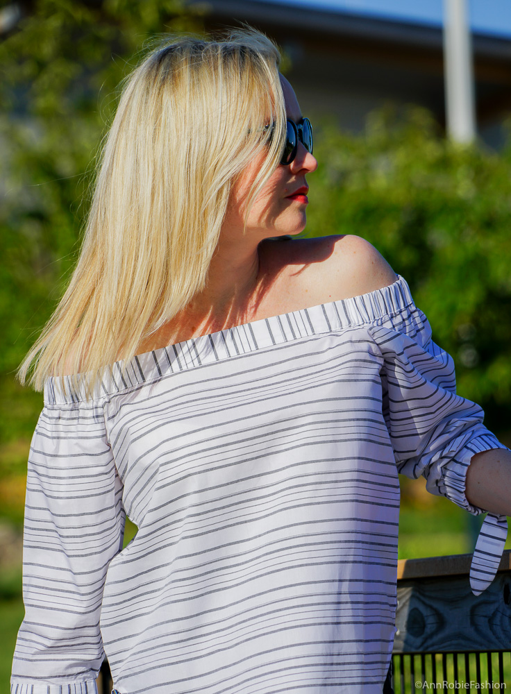 Pregnancy outfit ideas: Striped off-the-shoulder top Ann Taylor, skinny maternity jeans Jessica Simpson - outfit by petite style blogger Ann Robie from AnnRobieFashion blog