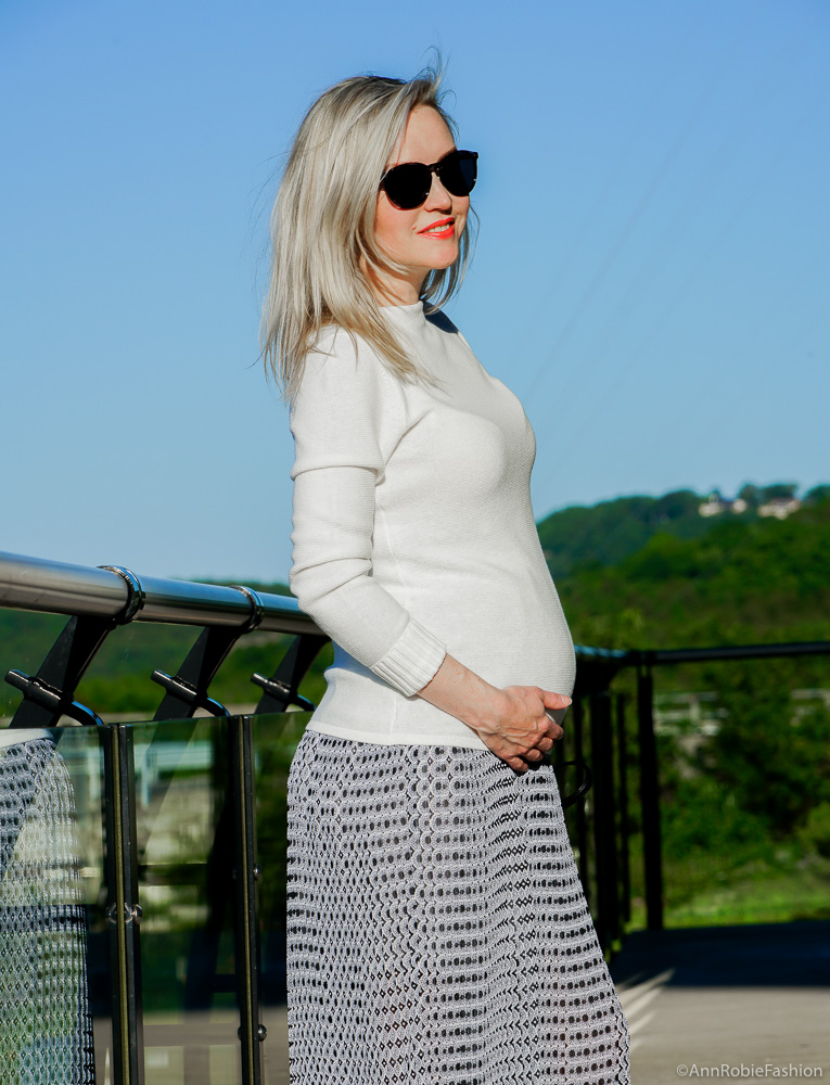 Pregnant & Stylish: White mock neck sweater, pleated maxi skirt - outfit by petite style blogger AnnRobieFashion