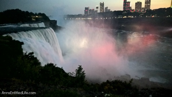 Niagara Falls at Night! Every evening the Falls are lit with color. It is truly a beautiful sight. This post has many photographs of Niagara Falls, NY in the evening. These are summer night photos.