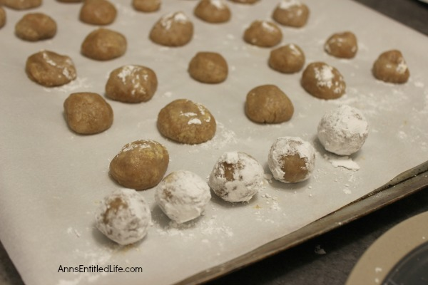 No Bake Pecan Praline Bourbon Balls Recipe. These crowd pleasing, easy to make No Bake Pecan Praline Bourbon Balls are a great cookie to make when you need a lot of cookies for a party or gathering. These delicious cookies are tasty treats that hold up well in the refrigerator.