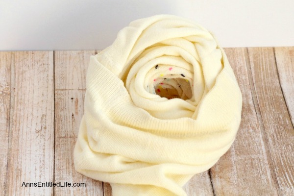 How to Make a Knot Pillow DIY Tutorial. You will not believe how simple it is to make this trendy pillow knot design. This knot pillow DIY version costs a whole lot less than a store bought pillow knot, and only takes about an hour to make.