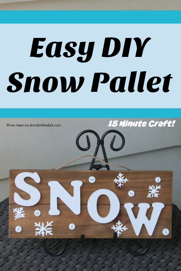 Easy DIY Snow Pallet. You can make this simple Snow pallet in about 15 minutes! A very easy winter craft that looks adorable on a tabletop easel or wall. Produce your own snow this winter!