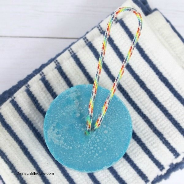 How to Make Soap on a Rope. This wonderful step by step tutorial on how to make soap on a rope will have you making your own soaps on a rope fast! Make with essential oils, this homemade soap recipe is highly customizable in looks and scent. These homemade essential oil soaps on a rope make for great gifts, fun favors for showers, or are perfect in the guest bathroom. Make some today.