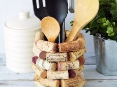 Wine Cork Craft Ideas – DIY Kitchen Utensil Holder