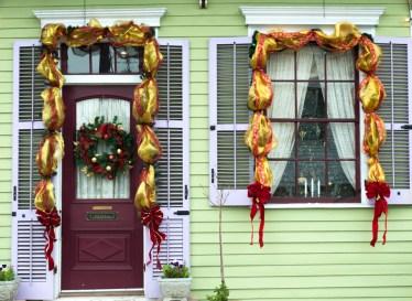 door-christmas-green-web