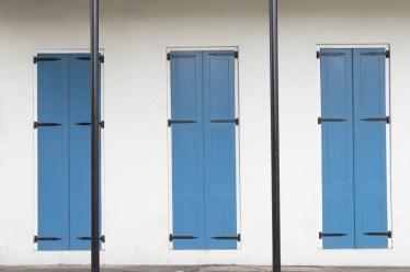 windows-blue-cream-web
