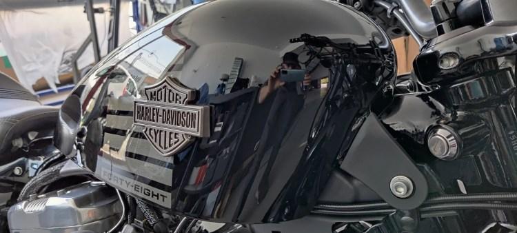 lavage et polissage moto Harley Davidson Forty Height 2017