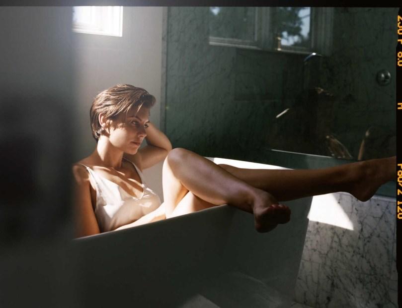 cheveux courts dans son bain