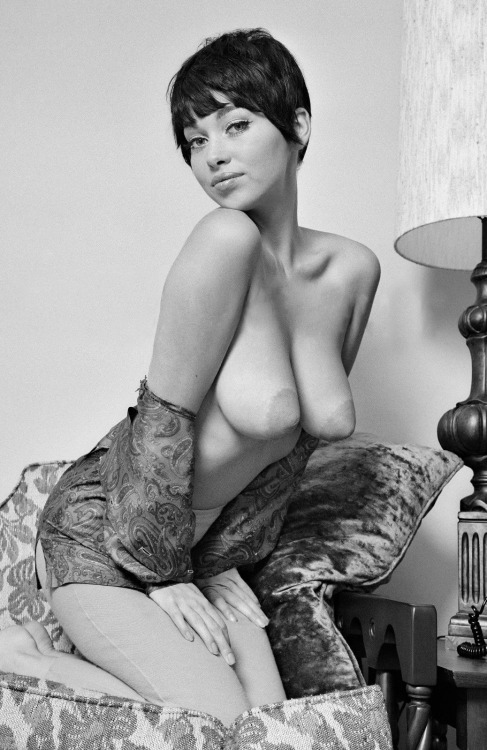 vintage sexy short hair
