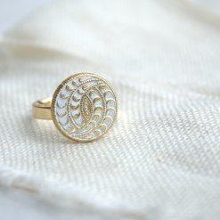 Weiß goldener Boho Ring
