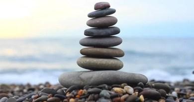 Kisah Dua Batu