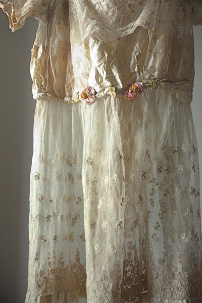 lawn gown  detail