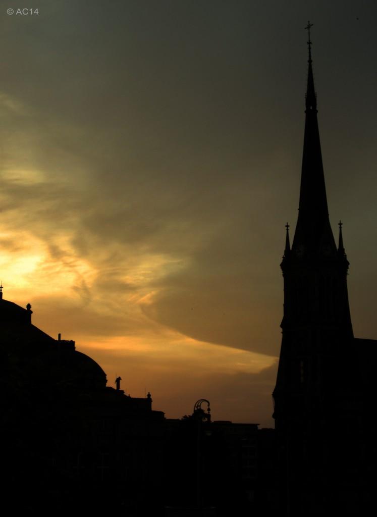 St. Petrikirche bei Sonnenuntergang