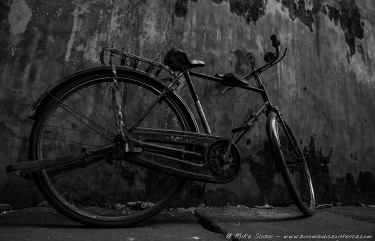 An abandoned bicycle.