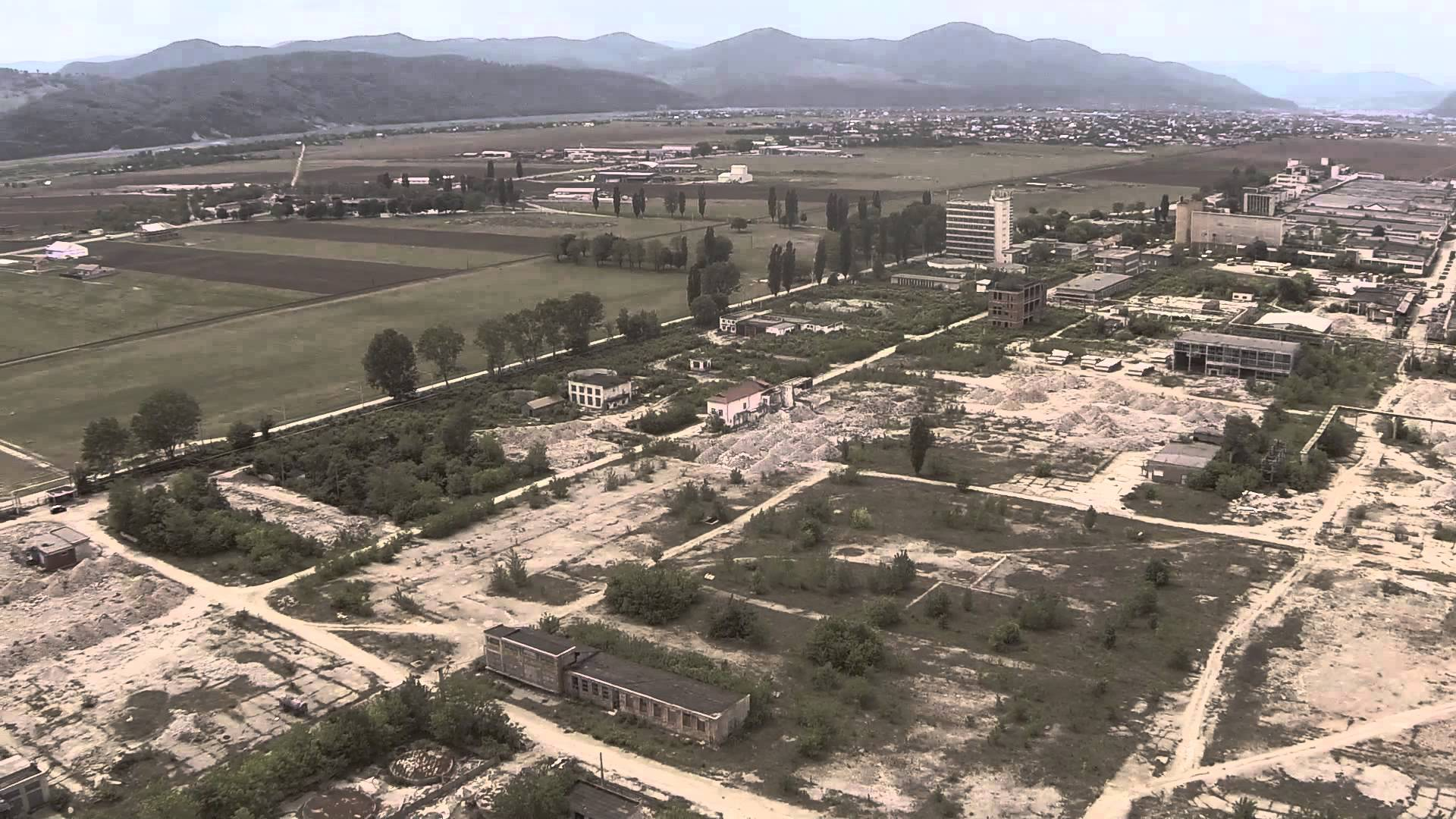 Imagini pentru INTREPRINDERILE - SIMBOL ALE ROMANIEI - RUINE IN PARAGINA,POZE