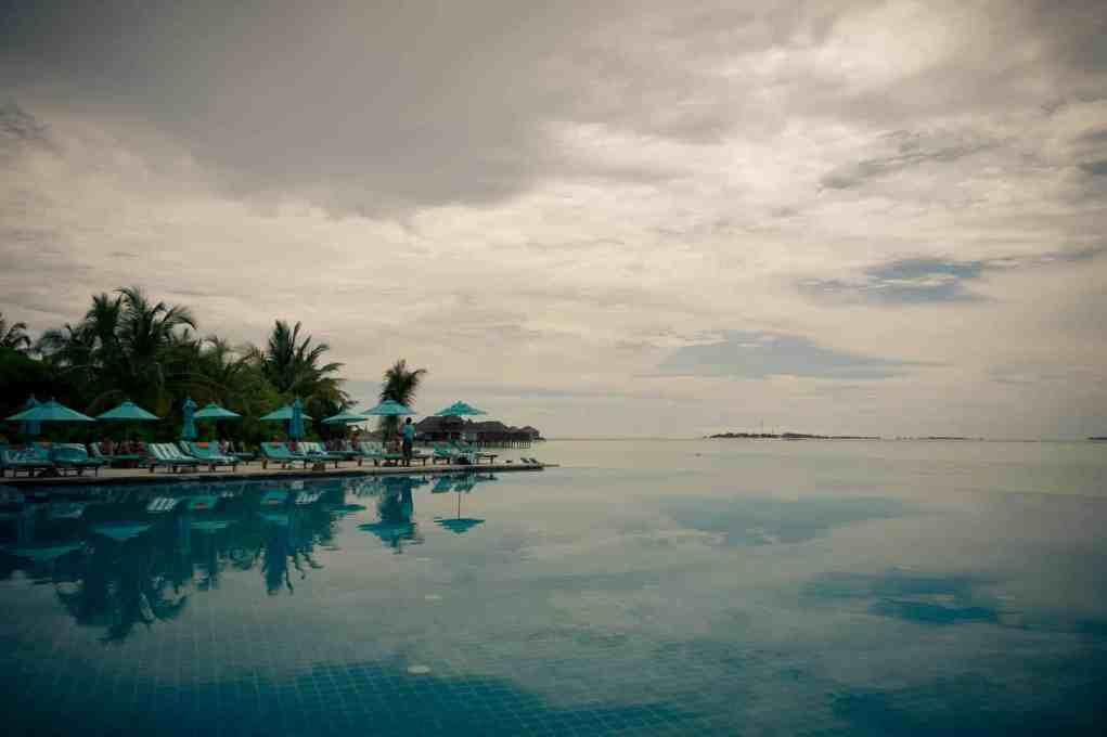 Anantara Dhigu pool pic
