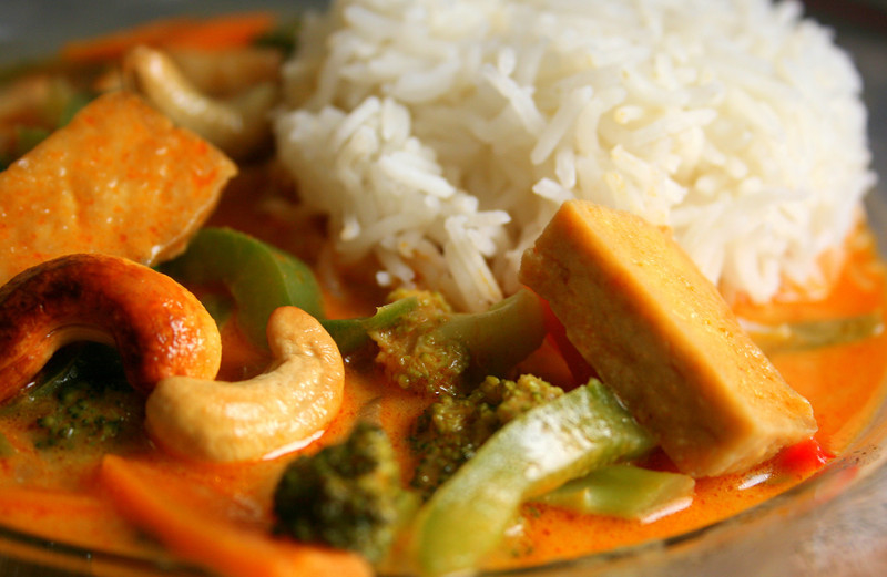 Thai Red Curry with tofu and cashewnuts