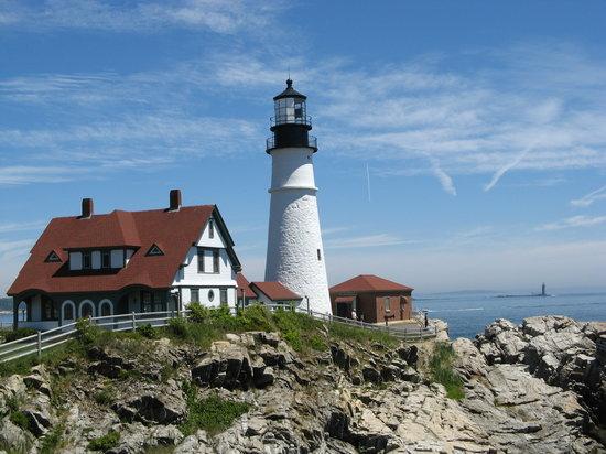 lighthouses maine
