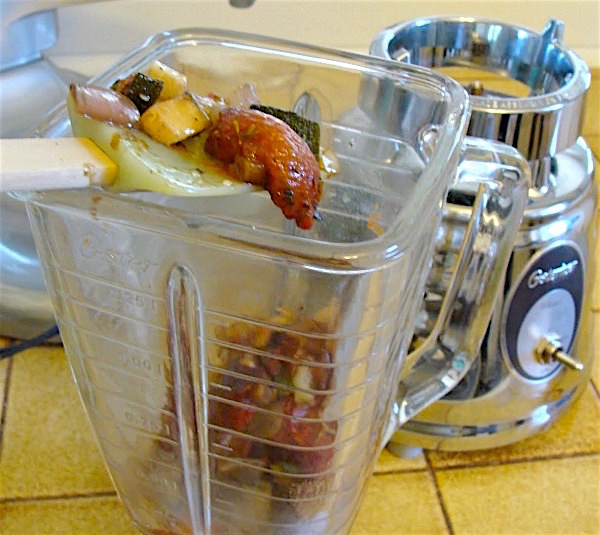 Freezer roasted tomato sauce-blending roasted vegetables
