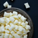 You will not believe how easy it is to make your own creamy & smooth butter mints! Four ingredients, a couple minutes mixing and shaping and all that's left is to let them dry!
